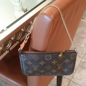 LOUIS VUITTON MINI POCHETTE~NO CRACKING